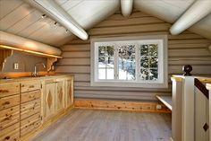 FINN Eiendom - Fritidsbolig til salgs Garage Doors, Mountain, Real Estate, Outdoor Decor, House, Home Decor, Decoration Home, Home, Room Decor