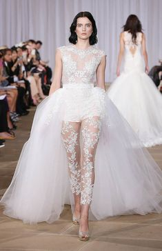 8 Gorgeous (And Wearable!) Wedding Dress Trends for 2016 |Annie Cavallo | Bridal Musings Wedding Blog