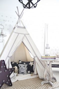 Reading TeePee Nook PBK