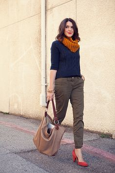 olive/navy/mustard/coral uo pumps... so many of my favorite colors and elements in one outfit!