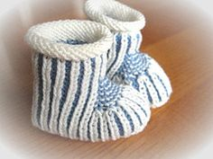 Baby booties pattern. Brioche knitting.