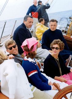 JFK, Jackie, Gianni and Marella Agnelli sailing in Newport, 1962