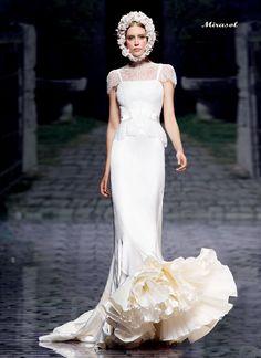 アクア・グラツィエがセレクトした、VICTORIO&LUCCHINO(ヴィクトリオ&ルッキーノ)のウェディングドレス、VL018をご紹介いたします。