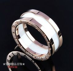 bvlgari bzero1 one band ring in 18kt pink gold with white ceramic in the middle