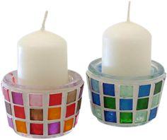 Machen Sie aus langweiligen Kerzenhaltern tolle Unikate. Wir zeigen Ihnen, wie die Mosaik-Technik funktioniert.