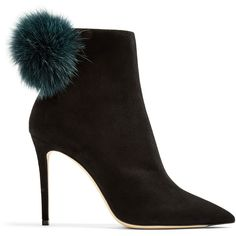 Jimmy Choo Tesler 100mm fox-fur embellished suede ankle boots (€1.065) ❤ liked on Polyvore featuring shoes, boots, ankle booties, suede bootie, pointy-toe ankle boots, black ankle booties, black booties and black boots