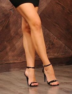 50 High Heel Mules To Rock Your Summer Style - Women Shoes Trends Sexy Legs And Heels, Hot High Heels, Beautiful High Heels, Beautiful Legs, Stilettos, Killer Legs, Barefoot Girls, Stockings Heels, Ankle Strap Heels