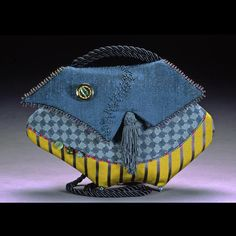 Free for artists, affordable for art fairs and festivals. Felted Bags, African Accessories, Fairs And Festivals, Tapestry Fabric, Best Bags, Denim Bag, Baggage, Bag Making, Fiber Art