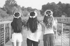 flower crowns. ♡