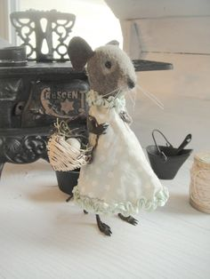 Suzie Mouse    The Goode Wife of Washington County  Stacey Mead