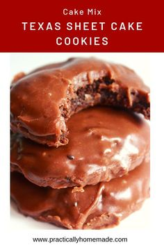 These soft and moist Texas Sheet Cake Cookies are made with a cake mix and then covered in a decadent but simple cooked chocolate frosting. You will get all of the traditional Texas Sheet Cake flavors in a fabulous cookie. Cookies Cupcake, Cookie Frosting Recipe, Cake Mix Cookie Recipes, Yummy Cookies, Flower Cookies, Cookie Favors, Heart Cookies, Valentine Cookies, Sugar Cookies
