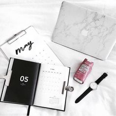 Daily inspiration //planning babe successfull girlboss organization flatlay