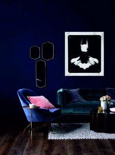 Custom design metal table Batman 45$