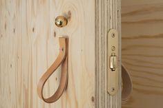 Charcoal_plywood_and_leather_kitchen_FantasticFrank_via_nordicspace_design_blog03.jpg