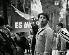 Güeros película - Tenoch Huerta.