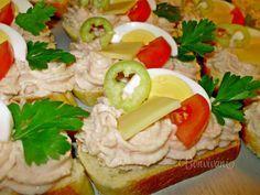 Chlebíčky so šunkovou penou Snack Recipes, Cooking Recipes, Snacks, Czech Recipes, Ethnic Recipes, Open Faced Sandwich, European Cuisine, Appetizer Dips, Appetisers