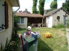 Pinterest Pro loves humor.  This made me laugh so loud. Yep, I got a swimming pool in my backyard.  Click on pin for Pinterest tips.