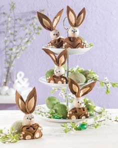 DIY Easter Decorations – Make The Festival Blooming Make your home Easter ready with DIY Easter decorations and if you wonder how then here are some of the awesome DIY Easter ideas for home. Filzosterhase Source by ♥ ~ ♥ Spring into Easter ♥ ~ ♥ Easter Table, Easter Party, Easter Gift, Happy Easter, Easter Bunny, Easter Eggs, Bunny Crafts, Easter Crafts, Crafts For Kids