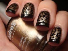 Chloe's Nails: December 2010