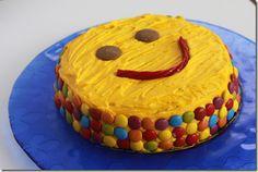 Smiley Face Cake1