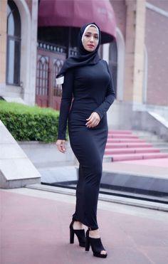 Shrink your URLs and get paid! Arab Girls Hijab, Girl Hijab, Muslim Girls, Iranian Women Fashion, Muslim Fashion, Hijab Fashion, Women's Fashion, Casual Hijab Outfit, Hijab Chic