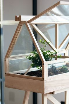 There is no more hurdle to know how to do greenhouse gardening? Greenhouse gardening is only possible in the best climatic conditions and weather variables. Greenhouse Kitchen, Lean To Greenhouse, Outdoor Greenhouse, Cheap Greenhouse, Greenhouse Fabrics, Portable Greenhouse, Greenhouse Plans, Greenhouse Gardening, Modern Greenhouses