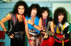 Kiss' Road to the Rock and Roll Hall of Fame Pictures - Kiss Unmasked | Rolling Stone Kiss Unmasked With ticket and record sales declining, Kiss made the bold decision to take their make-up off to promote their 1983 LP Lick It Up. By this point, Vinnie Vincent and Eric Carr had joined the band to replace Ace Frehley and Peter Criss. Here is the band in London #KISS #EpicRights