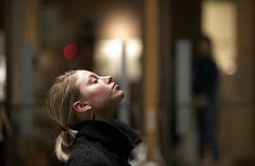 Quando sofrem de fibromialgia, os pacientes queixam-se de episódios de dor em diferentes áreas do corpo como o pescoço, os ombros e a região lombar. A dor varia consoante a hora do dia, tendo uma maior incidência durante o período da manhã. Os episódios de dor podem depender de outras variações, como a atividade física, as mudanças do tempo, as horas de sono e o stress diário. Para além da dor, os pacientes podem sentir um formigueiro ou inchaço, ansiedade, depressão, perturbações da…