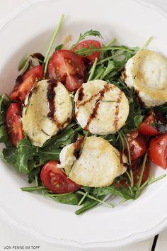 Rucola-Salat mit gebackenem Ziegenkäse