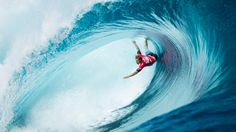 5 Worst Wipeouts From The Planet's Gnarliest Surf Competition - Mpora