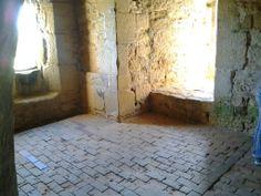 Bodiam Castle [by Jack Barrow] Bodiam Castle, Tudor Fashion, Castles, Coast, British, England, Travel, Viajes, Chateaus