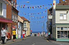 Find out what to SEE and DO along the Norfolk Coast. FREE online guided tour including the West Norfolk Coast, North Norfolk Coast and East Norfolk Coast. Norfolk Beach, Norfolk Coast, Norfolk England, Blackpool England, British Travel, British Seaside, Seaside Towns, Seaside Uk, Norfolk Holiday