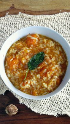 1 2-3 pound (1-1.5k) butternut squash (or 4 cups, 750g, of diced squash) 2 tablespoons olive oil 2 sprigs sage, leaves removed 4 garlic cloves, whole 2 cups (360g) arborio rice ¼ cup (75ml) white wine 4 cups (1L) water 2 teaspoons sea salt 1 teaspoon nutmeg, freshly ground  Read more: Sage & Nutmeg Butternut Squash Autumn Risotto http://www.hippressurecooking.com/sage-nutmeg-butternut-squash-autumn-risotto/