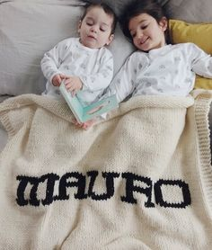 Cream blanket & black name Baby Shower Gifts, Baby Gifts, Big Beds, Dark Grey Color, Cozy Blankets, Mothers Love, Baby Names, Baby Knitting, Scrappy Quilts