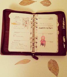 Meine aktuelle Woche :) #feathers #filomaniac #filofax #filofaxideas #filofaxing #filofaxinserts #filofaxaddict #filofaxnerd #filofaxdeutschland #filofaxmalden #filofaxlockwood #filofaxlove #plannerideas #planneraddicted #plannerlove #plannernerd #planner #planning #plannerinserts #washitape  #washi by filofantastisch
