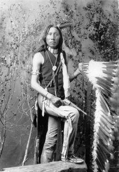 Yellow (Grey) Eyes, мужчина Арапахо. 1880-1890 года.