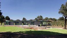 An Undulating Home near Kyneton, Australia
