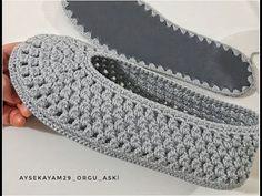 Crochet Slipper Boots, Crochet Slipper Pattern, Crochet Flower Patterns, Crochet Shoes, Crochet Slippers, Baby Knitting Patterns, Beginner Crochet Projects, Beading Patterns Free, Shoe Pattern