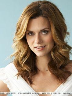 I want her hair cut! Love it!