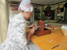 A Frolic through Time: Reproduction 18th Century English Trim Loom and Muffin Kitty