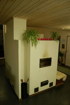 Tiilestä muurattu moderni takka leivinuuni Home Decor, Decoration Home, Room Decor, Interior Design, Home Interiors, Interior Decorating