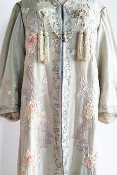 Antique Light Seafoam Edwardian Embroidered Robe - M Rose Embroidery, Embroidery Designs, Belle Blue Dress, Blue Dresses, Short Dresses, Vintage Wardrobe, Antique Lighting, Kimono Top, Vintage Fashion