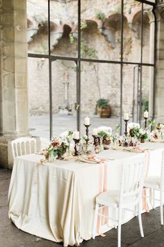 Destination wedding reception in Florence | Matthew Ree Photography | see more on:  http://burnettsboards.com/2014/10/destination-wedding-inspiration-florence/