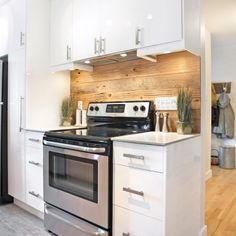 & & & & With its shades of blonde, the dosseretinjecte a key rustiqueet warm in this cuisinecontemporaineblanche. Kitchen Reno, New Kitchen, Kitchen Cabinets, Kitchen Ideas, Trailer Decor, Wood Backsplash, Farmhouse Style Kitchen, Cuisines Design, Living Room Designs
