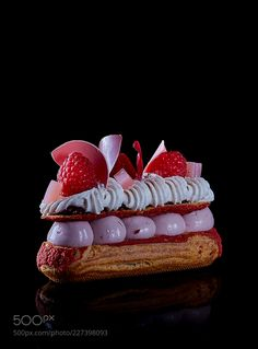 Cake by Michel Willaume Fancy Desserts, Fancy Cakes, Cute Cakes, Delicious Desserts, Choux Pastry, Pastry Art, Brownies, Plated Desserts, Cheesecake Recipes