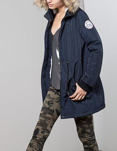 At Stradivarius you'll find 1 Parka with fur-trimmed hood for woman for just 49.99 United Kingdom . Visit now to discover this and more COATS.