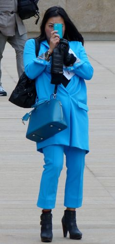 Blue - Streetstyle in NYC