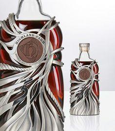 Garrafa de whisky mais antigas Orkney é artesanal de prata e foi desenvolvido especialmente pelo renomado designer de jóias Maeve Gillies de MaeVona, Nova York. A Highland Park 50 anos de idade é uma edição limitada limitado a 275 garrafas de exclusiva e estará disponível exclusivamente na Harrods  $ 10,500 ($ 16,470) até o final de outubro.