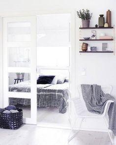 Home Decor – Bedrooms :     White Scandinavian Bedroom Design    -Read More –   - #Bedroom https://decorobject.com/furniture/bedroom/furniture-bedrooms-white-scandinavian-bedroom-design/