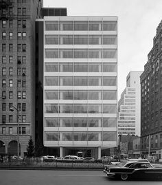 The Pepsi Cola Building in New York City was designed by Skidmore, Owings & Merrill in 1960. Photo by Ezra Stoller.